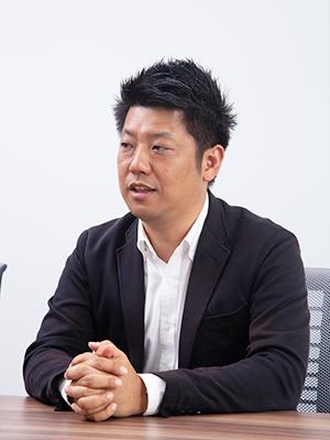 片岡 亮介 氏